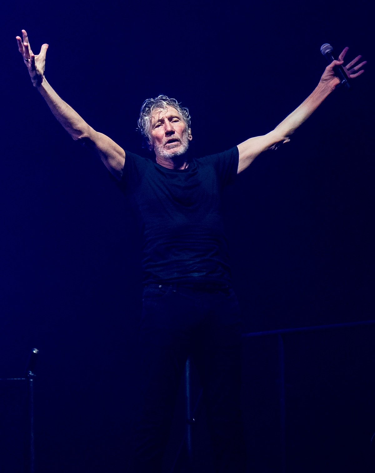 Roger Waters The Wall Uk Tour