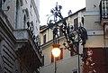 Rom, Straßenlampe an der Ecke Via dei Montecatini und Via del Corso.JPG
