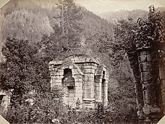 Ruins of Hindu temple at Wangut, Sind Valley, 1865 photo.jpg