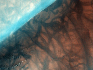 Russell (Martian crater) - Image: Russell Crater Dunes, Defrosted