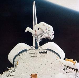 STS-41-B - Astronaut Bruce McCandless exercises the Manned Maneuvering Unit.