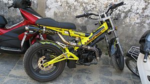 Sachs Madass 125 yellow.jpg