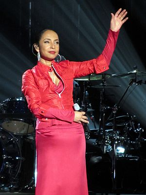 Sade (singer) - Sade performing at the SAP Arena,  Mannheim, Germany, in 2011