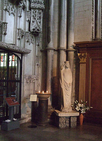 Æthelthryth - Saint Etheldreda's statue in Ely Cathedral