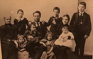 Richard Griffith (general) - Griffith's widow, Sallie Ann Whitfield, their son Benjamin (mayor of Vicksburg), his wife Cora and their seven children.