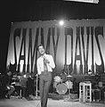 Sammy Davis Jr tijdens optreden in theater Carré, Bestanddeelnr 916-2031.jpg