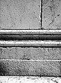 Sant'Alessandro, Lucca. Lavorazione differenziata delle superfici murarie.jpg
