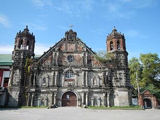Santa Monica Parish Church (Minalin) - Famous for its retablo like facade