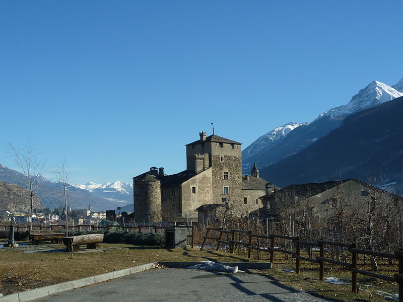 Sarriod de La Tour - castle