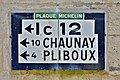 Sauzé-Vaussais 79 Plaque routière Michelin 2014.jpg
