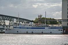 Schleswig-Holstein, Hochdonn, Fähranleger am N-O-Kanal; das Motorschiff Brahe lag dort als Hotelschiff für Wacken Open Air 2015 NIK 5440.jpg