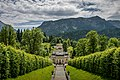 Schloss Linderhof mit Schlosspark.jpg