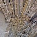 Sculpture du porche de Saint-Germain-lAuxerrois 1, Paris 2010.jpg