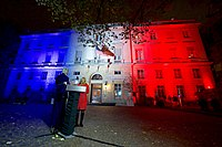 Secretary Kerry, Ambassador Hartley Host Ceremony to Light U.S. Embassy in French Tricolor Following Terrorist Attack on City (23045979086).jpg