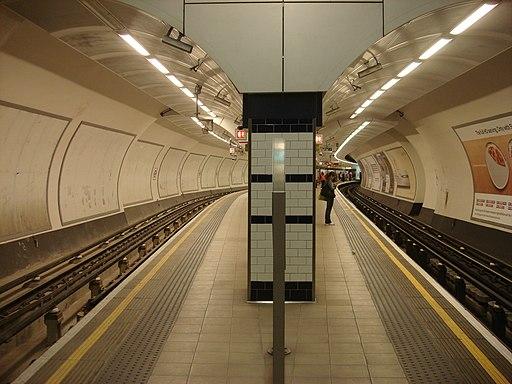 Shepherds Bush tube station 043