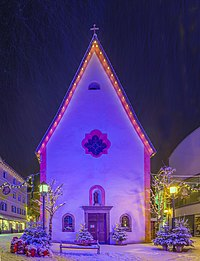 Snowing in Urtijëi Saint Antony church Christmas decoration.jpg