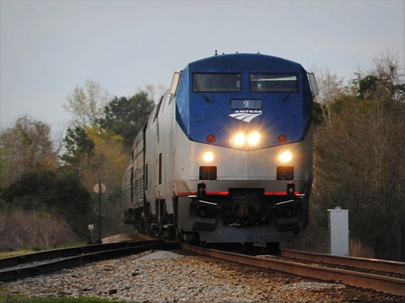 File:Southbound Amtrak Crescent (6765696315).jpg