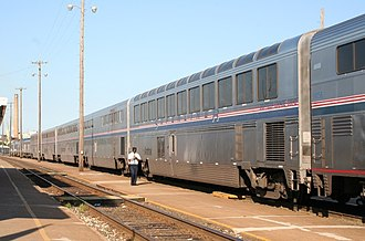 Arcadia station - Image: Southwest Chief Fort Madison 7 2005