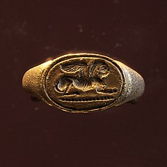 ring-seal ornated with two Egyptian-style sphinx