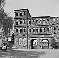 Stadskant van de Porta Nigra, Bestanddeelnr 254-4485.jpg