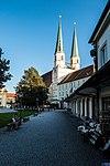 Stiftspfarrkirche St. Philipp und Jakob Altoetting.jpg
