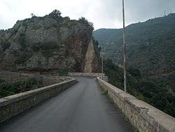 Strada principale per Umbriatico.jpg