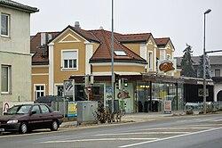 Strasshof Hauptstrasse.jpg