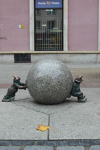 Sisyphus - Image: Syzyfki (Sisyphers) Wroclaw dwarf 01