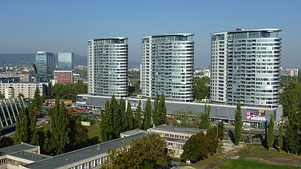 High-rise apartments in Bratislava TRI VEZE Z DOUBLE TREE BY HILTON - panoramio.jpg
