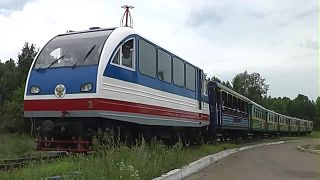 Файл:TU2-053 with passenger train, Irkutsk children's railway.webm