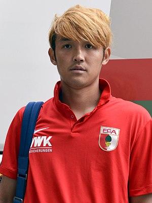 Takashi Usami - Usami with FC Augsburg in 2016