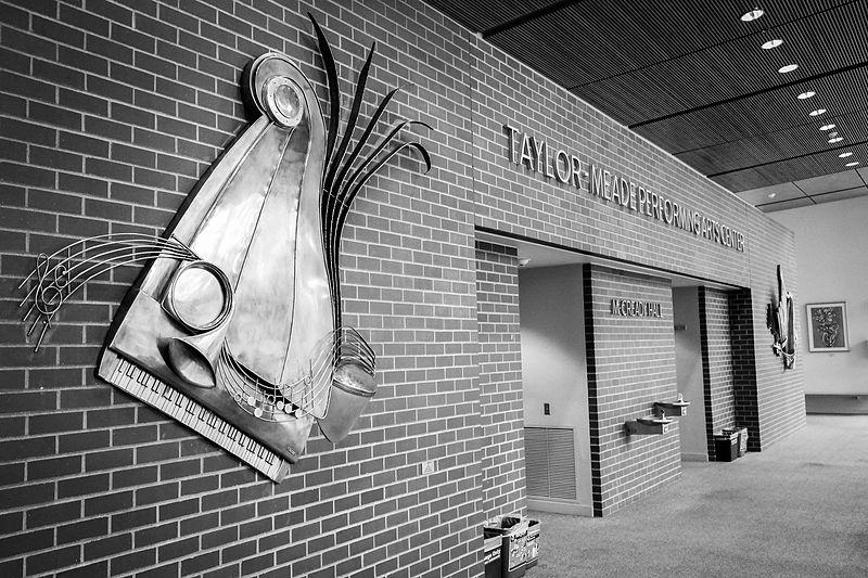 File:Taylor-Meade Performing Arts Center.jpg