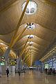 Terminal 4 del aeropuerto de Madrid-Barajas, España, 2013-01-09, DD 03.jpg