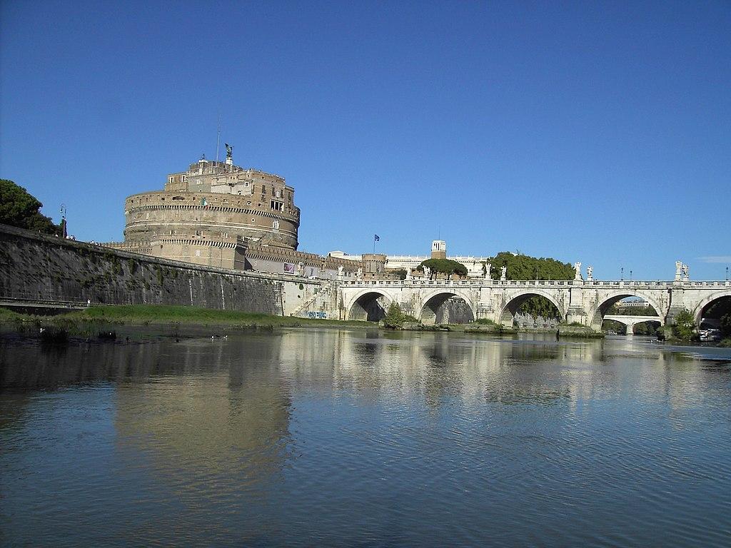 テヴェレ川とサンタンジェロ城