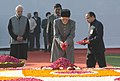 The Vice President, Shri Mohd. Hamid Ansari paying floral tributes at the Samadhi of former Prime Minister, Shri Inder Kumar Gujral, on his death anniversary, in Delhi on November 30, 2013.jpg