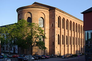 Roman brick - The Constantine Basilica in Trier is built in Roman brick.