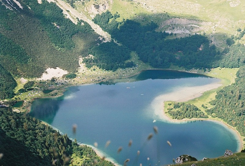 File:Trnovacko jezero.jpg