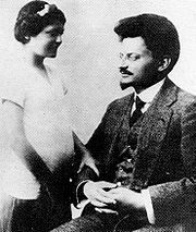Leon Trotsky with his daughter Nina in France, 1915