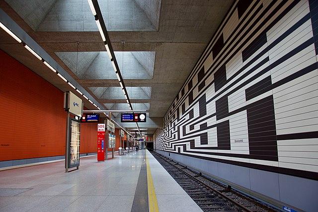 U-Bahnhof Oberwiesenfeld 01