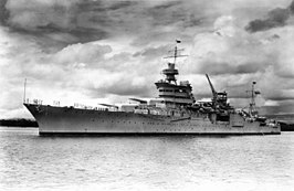 De Indianapolis voor anker in Pearl Harbor in 1937