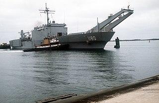 USS <i>Manitowoc</i> (LST-1180) ship
