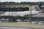 United Airlines 737-800 N79521.jpg