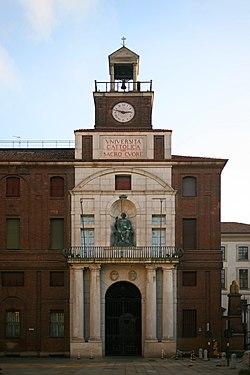 Università Cattolica di Milano (facciata).jpg
