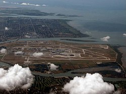 Vancouver International Airport 2006.jpg
