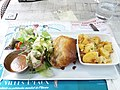 Vichy - Restaurant Le Bungalow, croustillant de pied de cochon avec sa truffade et sa salade.jpg