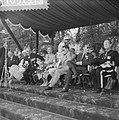 Vierde dag van het bezoek van Koning Boudewijn huldiging op het Vrijthof door de, Bestanddeelnr 910-5191.jpg
