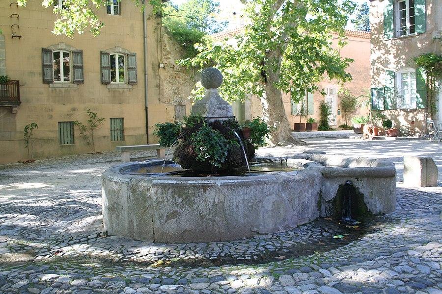 Fontaine à Villeneuvette (Hérault).