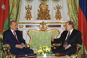 Heydar Aliyev - A meeting between Heydar Aliyev with Vladimir Putin in Kremlin on 25 January 2002.