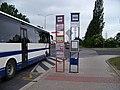 Vozovna Kobylisy, dvojice zastávkových sloupků.jpg