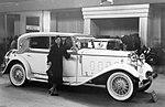 Walter Royal (1931) kabriolet Petera na Autosalonu a paní Marie Žďárská.jpg